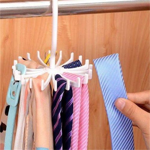 Věšák na kravaty, šátky a šperky